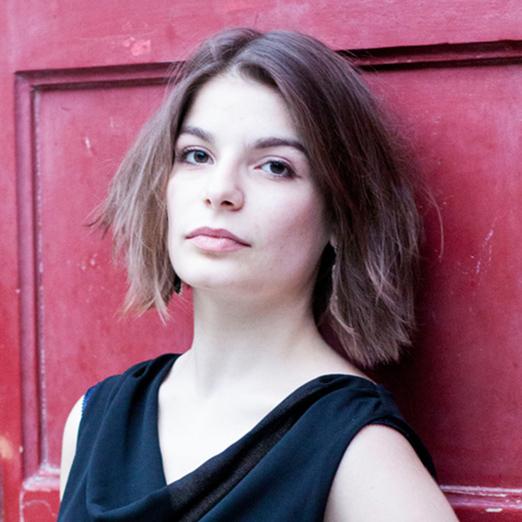 """Videoreihe """"Drei Fragen an …"""" – Regisseurin Ariane Kareev"""